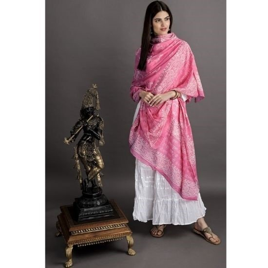 Prayer shawls – important garments of ethnic Indian fashion and culture