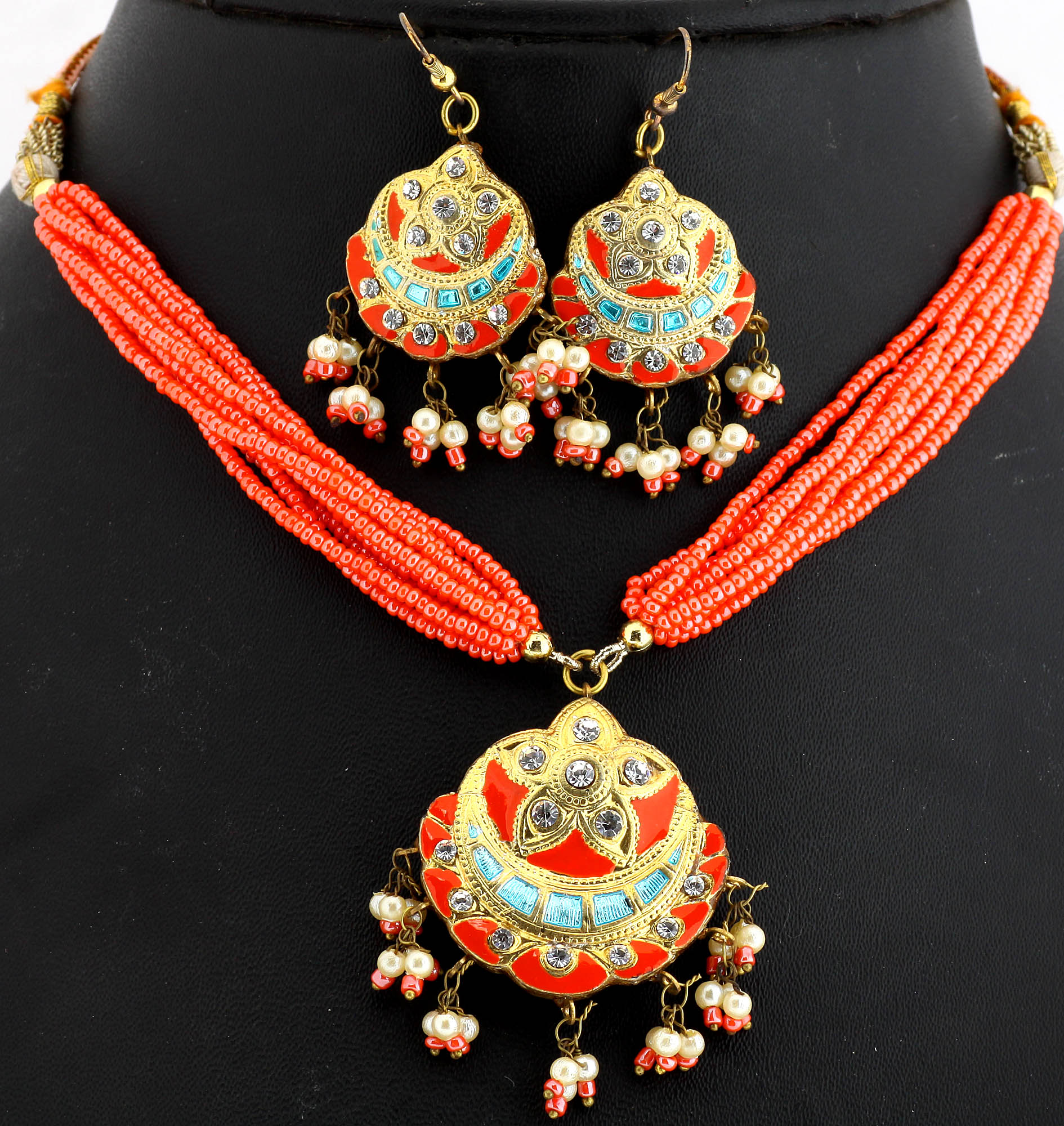 Coral Color Necklace And Earrings Set With Golden Ascent