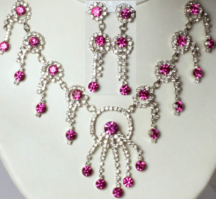 hotpink victorian necklace and earrings set with cut glass