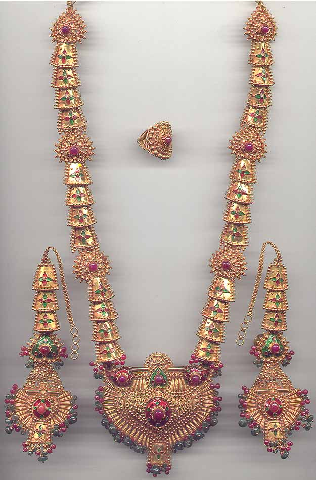 Gold Ruby Necklace Set