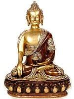 Buddha in the Bhumisparsha Mudra (With the Ashtamangala Carved on His Robe)
