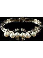 Designer Pearl Bracelet