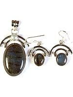 Labradorite Oval Pendant with Pearl and Earrings Set