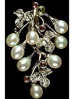 Pearl Grapes with Sterling Leaves