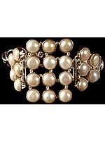 Pearl Toggle Lock Bracelet