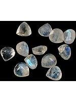 Rainbow Moonstone 6 x 6 mm Heart Shape (Price Per 10 Pcs)