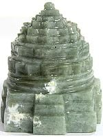Shri Yantra (Carved in Cat's Eye)