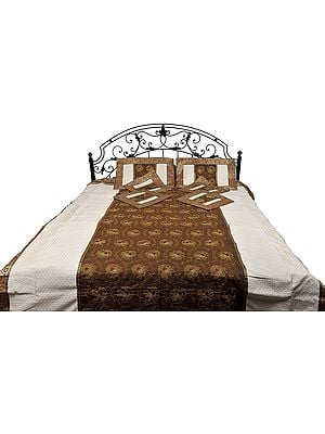 Seven-Piece Banarasi Bedspread with Embroidered Flowers and Brocade Border
