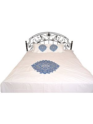 Bright-White Plain Bedspread with Floral-Embroidered Patch