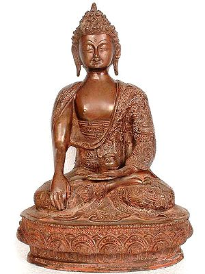 Buddha with Carved Robe