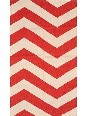 Off-White and Red Handloom Dhurrie from Sitapur with Zigzag-Weave