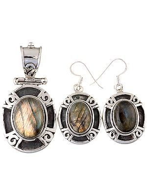 Labradorite Oval Pendant with Earrings Set