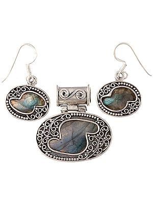 Labradorite Pendant with Earrings Set