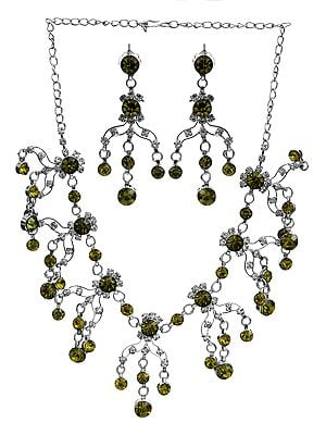 Green Victorian Necklace with Earrings Set