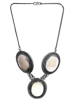 Shell (Mother of Pearl) Necklace