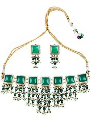 Faux Emerald and Pearl Necklace with Dori