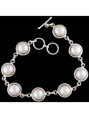 Pearl Bracelet with Toggle Lock