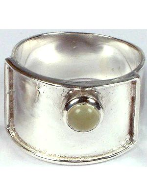 Chalcedony Finger Ring