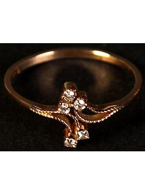 Finely Crafted Five Diamond Gold Ring