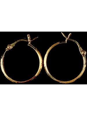 Finely Crafted Hoop Earrings with Incised Leaves