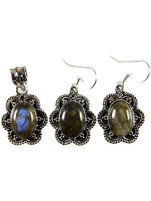Labradorite Pendant with Matching Earrings Set