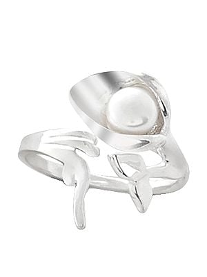 Attractive Sterling Silver ring Studded with Pearl Stone