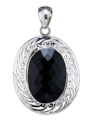 Faceted Black Onyx Pendant with Lattice