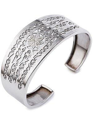 Fine Jali Cut Cuff Bracelet from Nepal (Adjustable Size)
