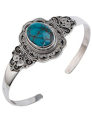 Beautifully Crafted Silver Bracelet Cuff Bracelet with Turquoise from Nepal (Adjustable Size)
