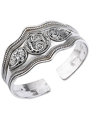 Stylish Filigree Cuff Bracelet with Twisted Rope Design from Nepal (Adjustable Size)