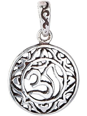 Om Pendant with Round Lattice