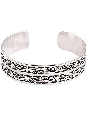 Emboss Floral Cuff Bracelet (Adjustable Size)