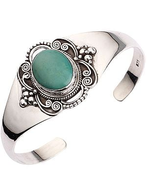 Fine Crafted Silver Cuff Bracelet with Turquoise (Adjustable Size)