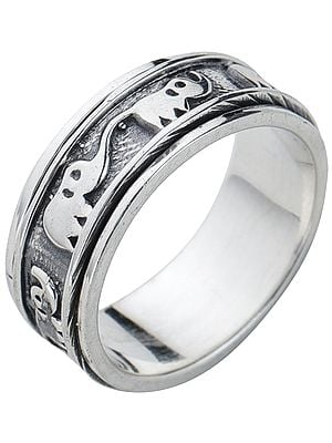 Elephants Sterling Silver Meditation Spinner Ring