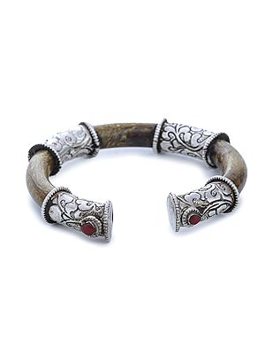 Sterling Silver Bracelet from Nepal with Resin and Coral (Adjustable Size)
