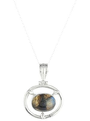Round Sterling Silver Pendant with Labradorite Stone