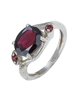Sterling Silver Garnet Birthstone Ring