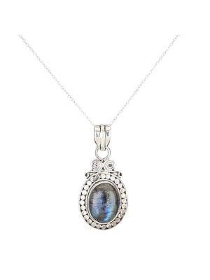Designer Labradorite Stone Pendant With A Sterling Silver Frame