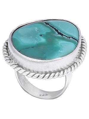 Beautiful Sterling Silver Ring with Turquoise Stone