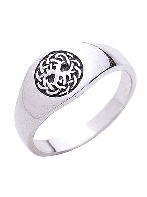 Stylish Sterling Silver Ring