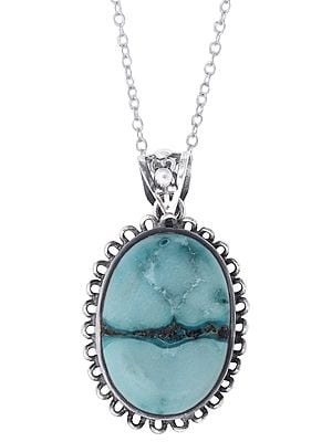 Beautiful Turquoise Stone Studded in Stylish Sterling Silver Pendant