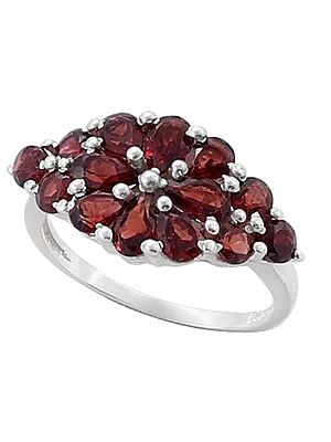 Superfine Attractive Garnet Gemstone Ring Made in Sterling Silver