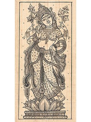 Standing Chaturbhujadharini Devi Lakshmi Exuding Maternal Warmth And Compassion