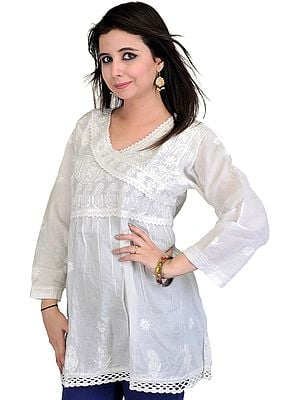 White Kurti With Lukhnavi Chikan Embroidered Paisleys