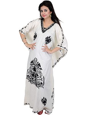 Chic-White Kashmiri Kaftan with Ari Embroidered Flowers in Black Thread