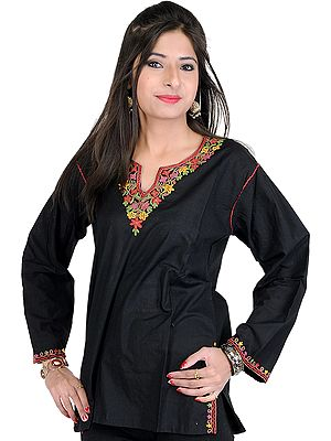 Kashmiri Kurti with Ari Hand-Embroidery on Neck