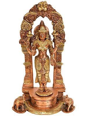 Standing Goddess Lakshmi with Prabhavali