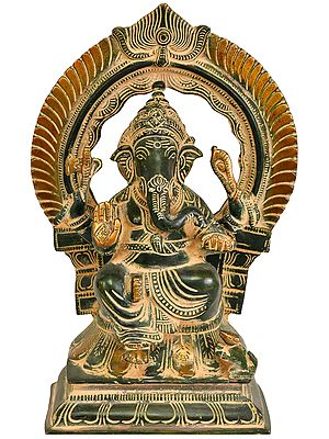 Seated Lord Ganesha with Prabhavali