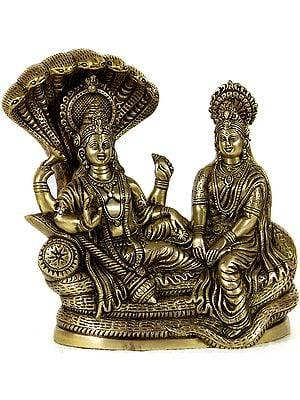 Shri Vishnu Lakshmiji on Sheshnag
