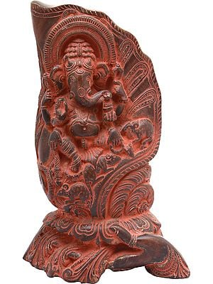 Hand-held Conch Ganesha Statue